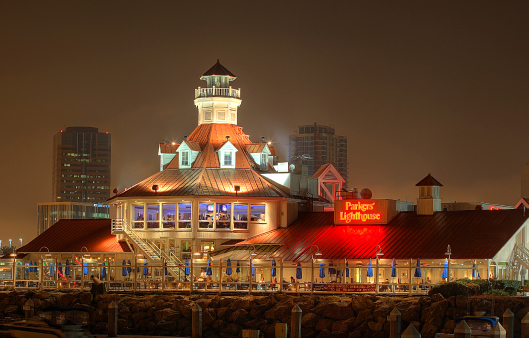 The Best Nautical Themed Architecture In Los Angeles Wearesc Parkers Lighthouse Long Beach Ca California Beaches